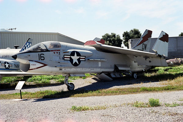Vought F8U-1(F-8A) Crusader